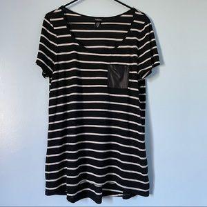 Torrid Black White Striped Short Sleeve T-Shirt